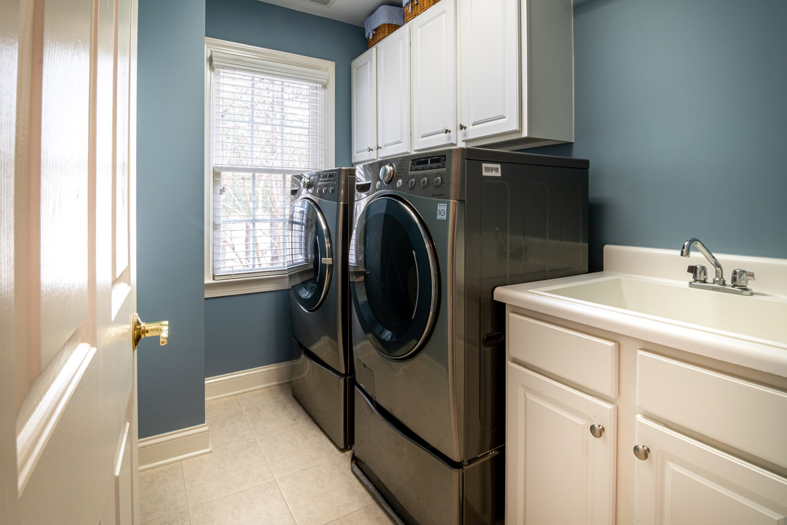 Ways to Save Money While Doing Laundry